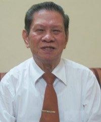 GS Hoàng Tích Huyền